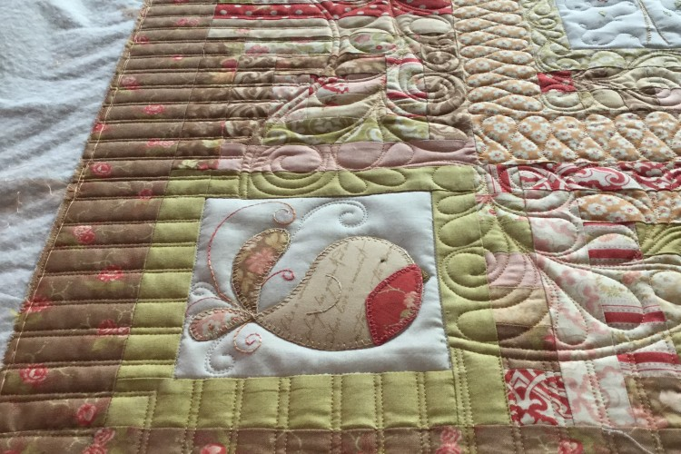 Leannes Tail Feathers Quilt